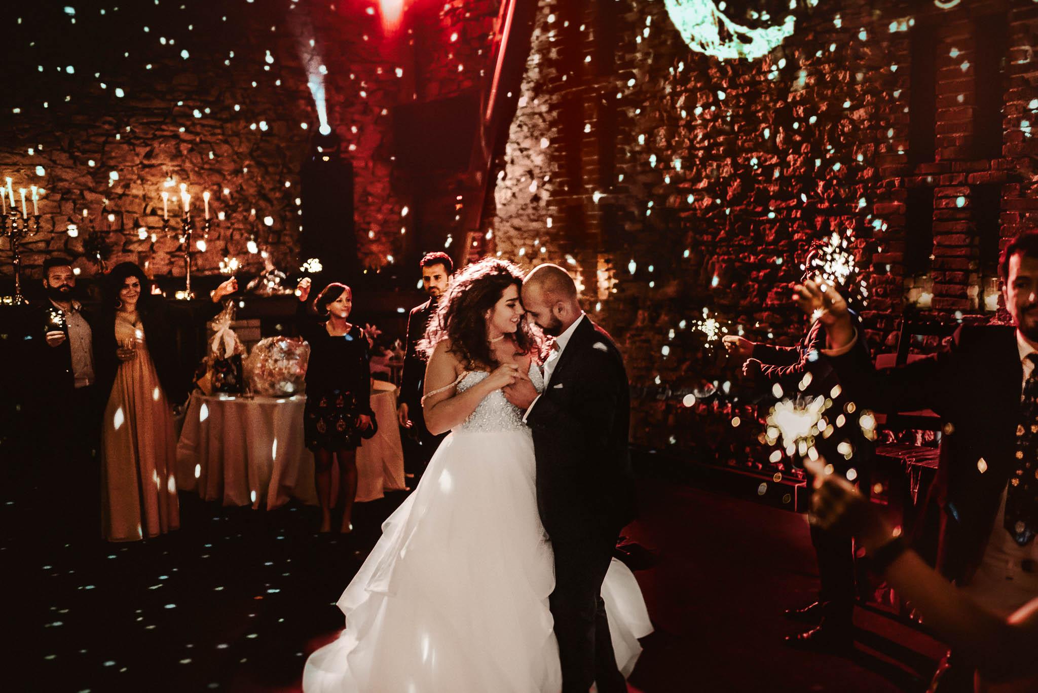 Erster Tanz Hochzeitstanz mit Wunderkerzen