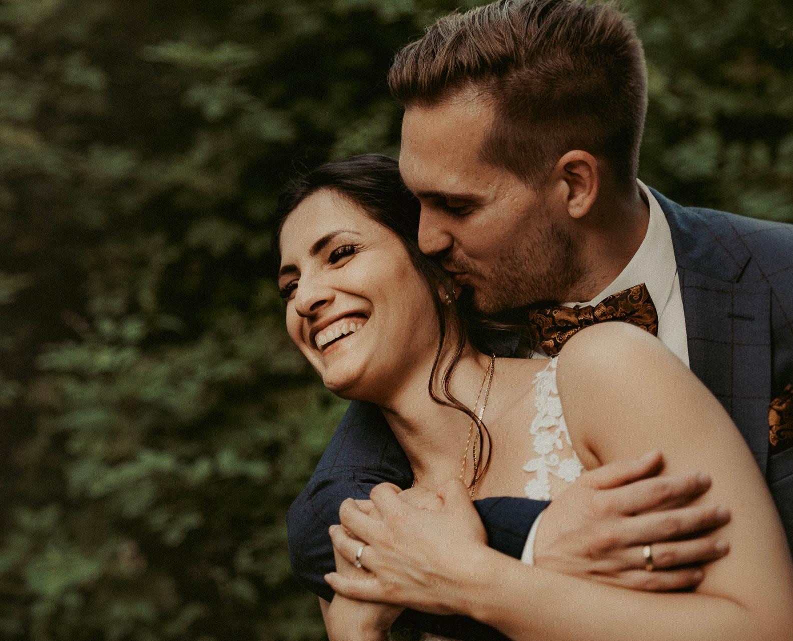 Was kosten gute ungestellte Hochzeitsfotos