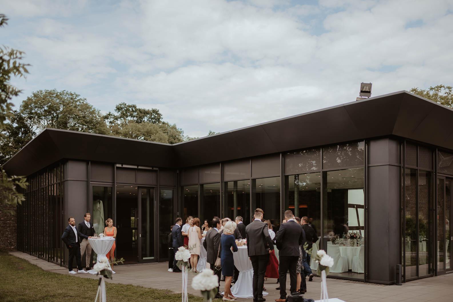 Hochzeit Burgpavillon moderne Hochzeitslocation