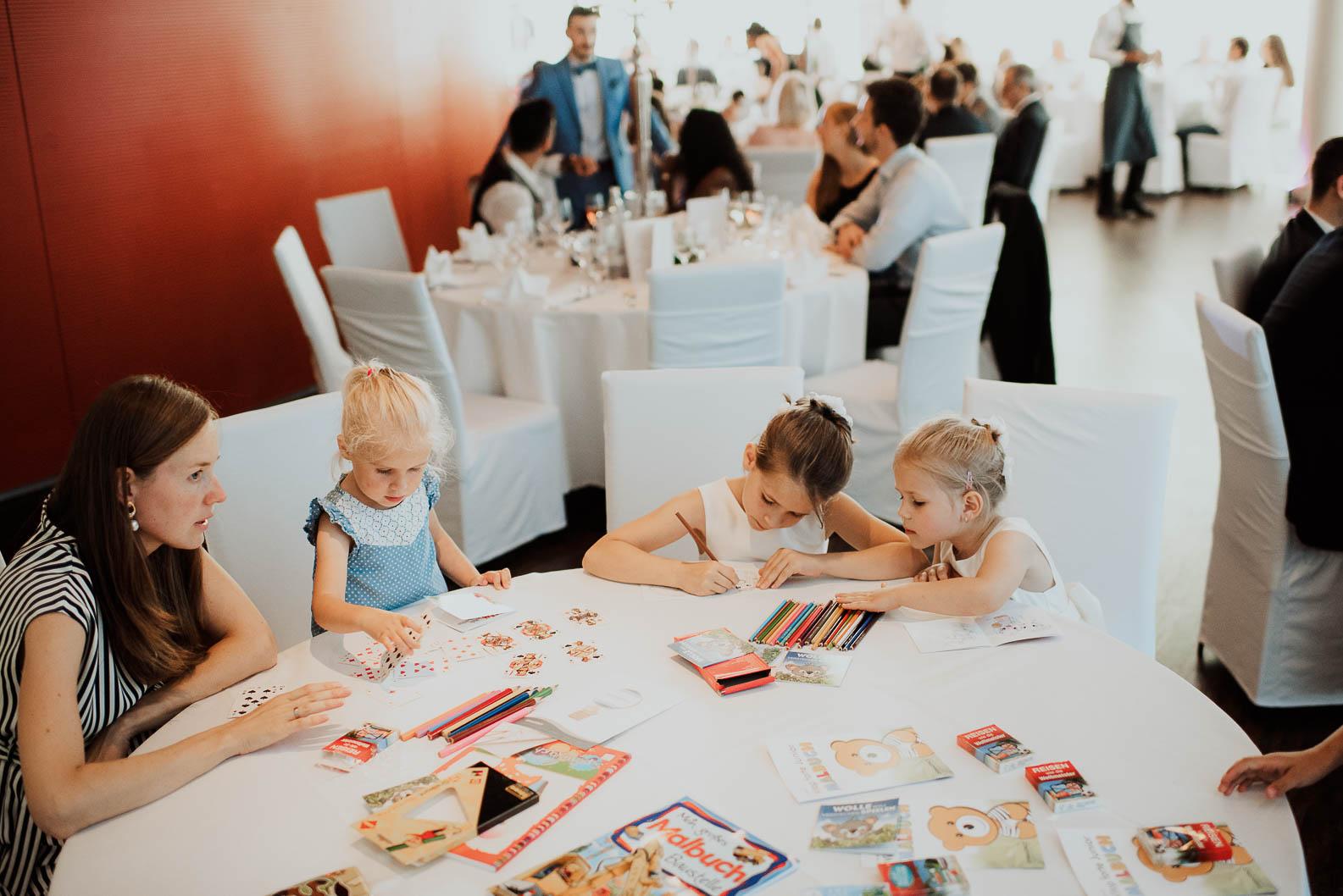 Kinder auf Hochzeit Ideen