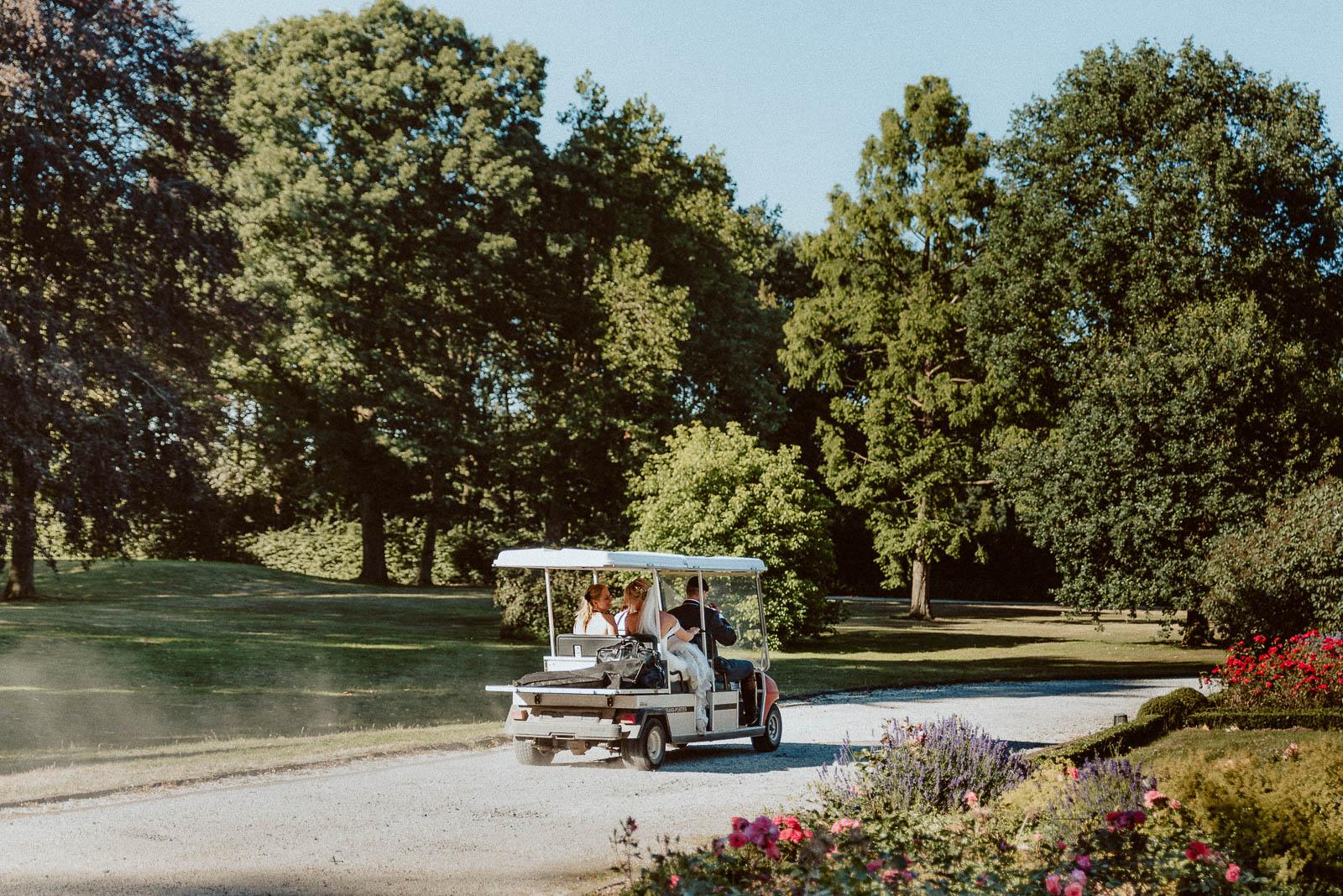 Schloss Hertefeld Golf Cart Hochzeit Hochzeitsauto